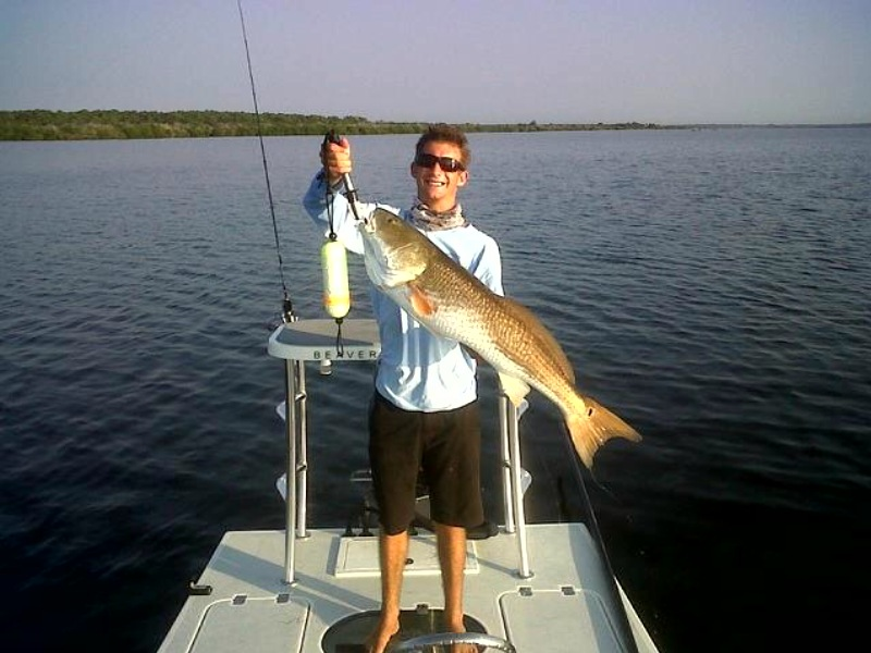 Sight fishing big redfish in moquito lagoon with mike for Mosquito lagoon fishing